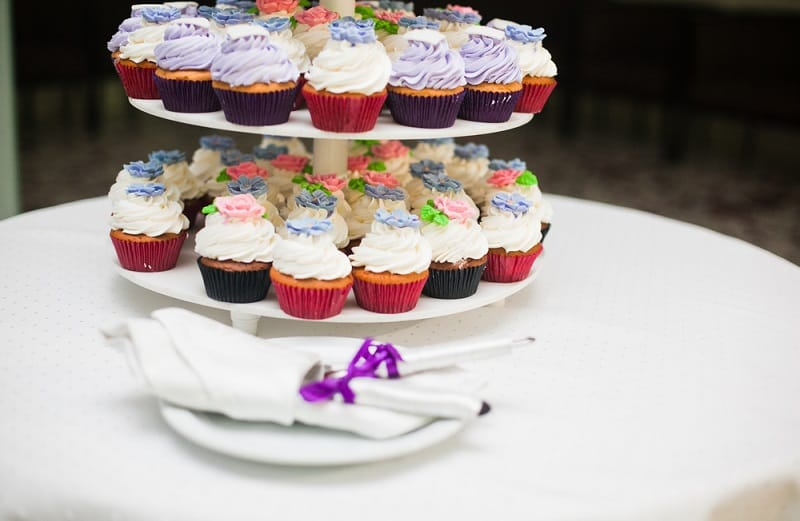 best cupcake carrier, the lot dallas, tiers