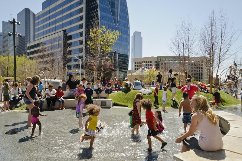 fun things to do in dallas with kids klyde warren park